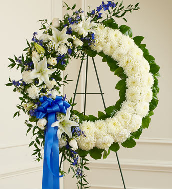 Blue And White Standing Wreath - Click Image to Close
