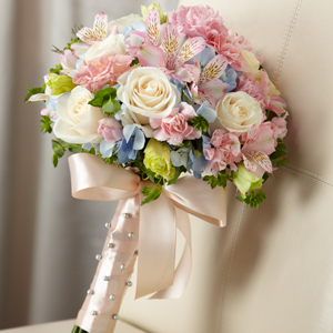 Sweet Innocence Bouquet - Click Image to Close