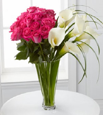 Irresistible Luxury Rose And Calla LIly Bouquet - Click Image to Close