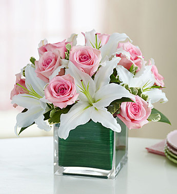 Pink Roses and Lilies Cube Bouquet - Click Image to Close